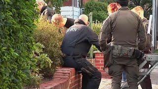 22 Verdächtige: Großeinsatz der Polizei wegen Sprengstoff-Plattform