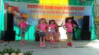 Hello dangdut versi anak, acara perpisahan kelas enam sd bojong nangka 2017-2018 Tangerang