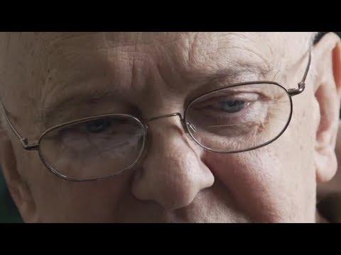 UFO-Geständnis kurz vor dem Tod - Ex-CIA-Mitarbeiter packt aus [Deutsch untertitelt]