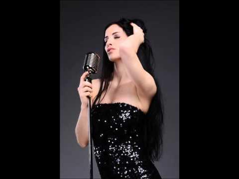 Hochzeitssängerin Conny aus München singt Time after Time (Eva Cassidy)