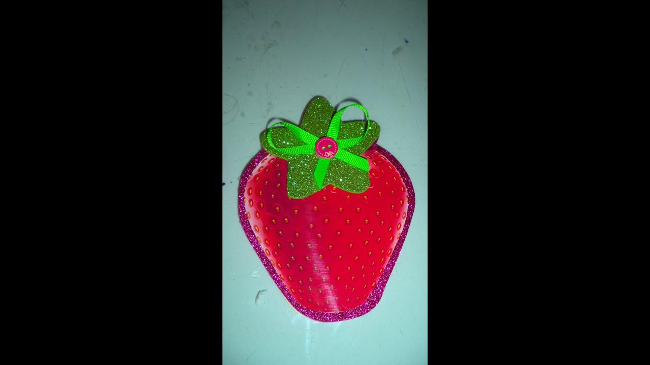 395e9e2fb Como hacer Invitacion Fresita - how to make a birthday card Strawberry  Shortcake DIY