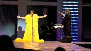 Watch Shirley Bassey He Kills Everything You Love video