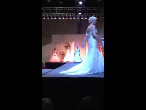 bridal-festival-—-spokane,-washington-—-fashion-show