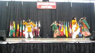 Dil lagi kudi... Neha dance in Indianapolis International Festival 2011
