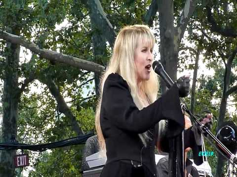 Stevie Nicks for what it's worth2011 GMA HD1080