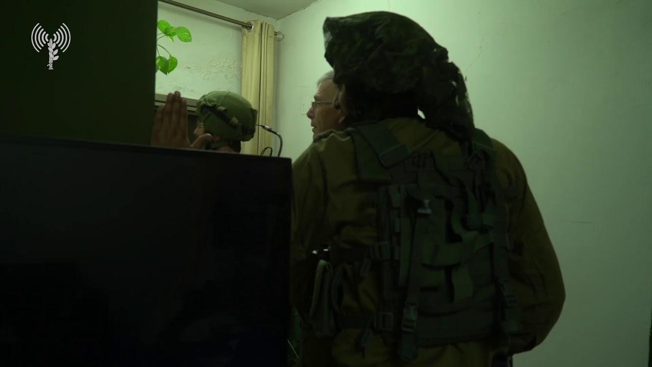 """לוחמי צה""""ל מיפו ביתו של אחד המחבלים שרצח את רנה שנרב - צפו"""