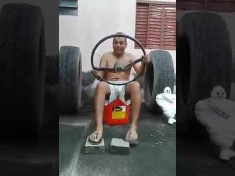 Le gas conduit une vraie voiture