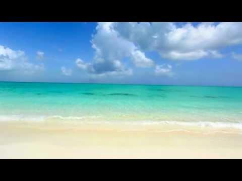 Isolated Paradise - Grace Bay Beach - Turks & Caicos