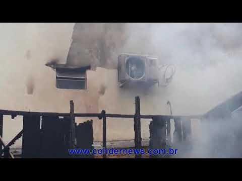 Em Colíder homem queima casa de Ex apos leva surra do atual marido dela. (Vídeo)