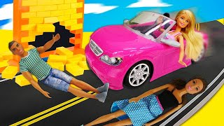 Барби на машине без тормозов - Видео с куклами - Играем с Барби
