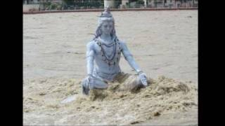 Lord Shiva on the bank of  the Ganges in Rishikesh was flown away by tides river thumbnail