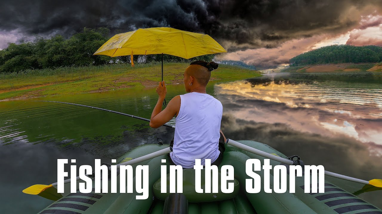 [6th night] ASMR SOLO CAMPING in Vietnam - Fishing in the Storm