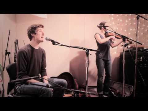 Ben Sollee and Daniel Martin Moore - Dear Companion (Live on KEXP)