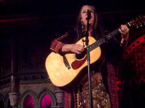 Melanie Safka @ The Union Chapel 15/07/11 - Left Over Wine