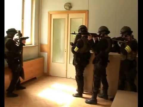ТАКТИКА ШТУРМОВЫХ ГРУПП:  Боевой порядок коридор.