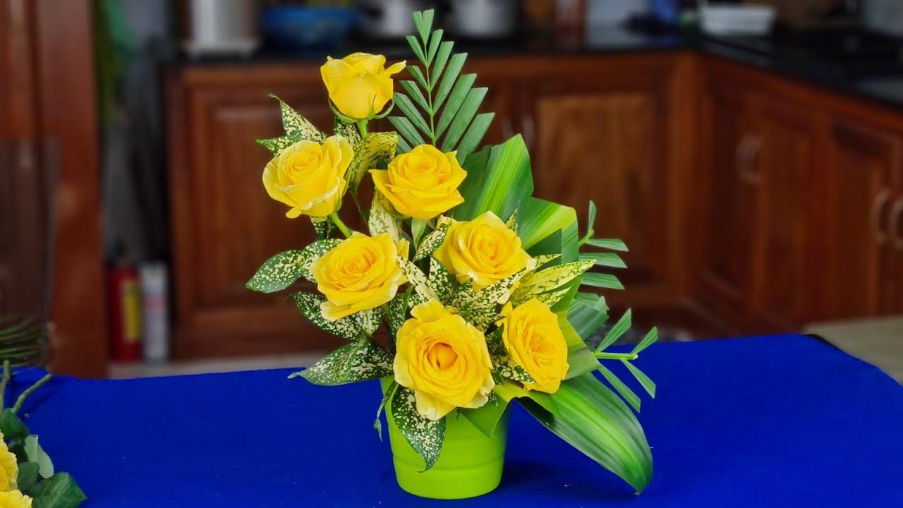 Cắm hoa bàn thờ - Cắm bình hoa hồng vàng đơn giản cho người mới bắt đầu ❤
