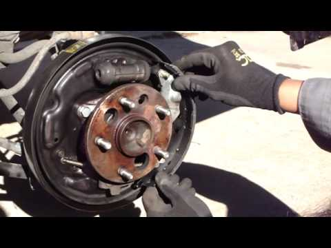 replace camry rear brake shoes youtube. Black Bedroom Furniture Sets. Home Design Ideas