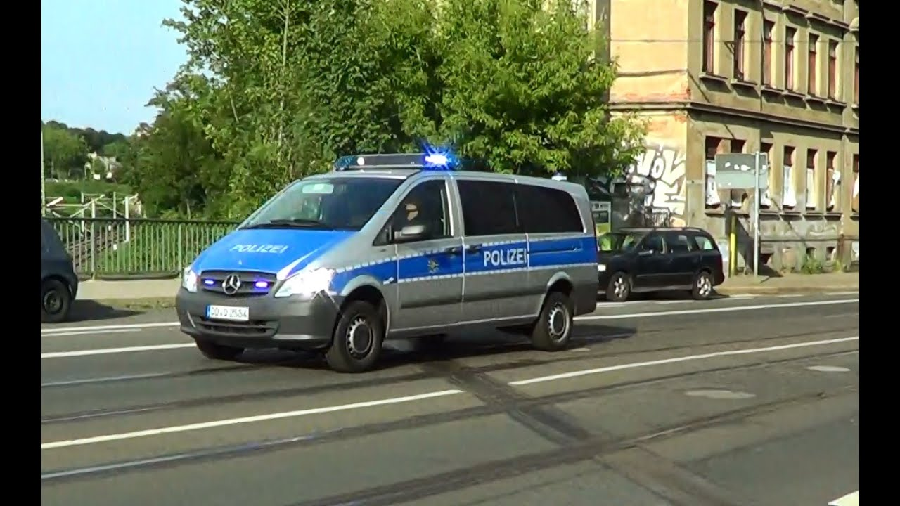 leipzig polizei mercedes vito streifenwagen 2586 2584 youtube. Black Bedroom Furniture Sets. Home Design Ideas