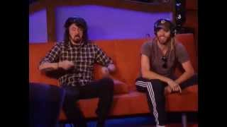 "Dave Grohl and Taylor Hawkins jam out to ""Rope"""