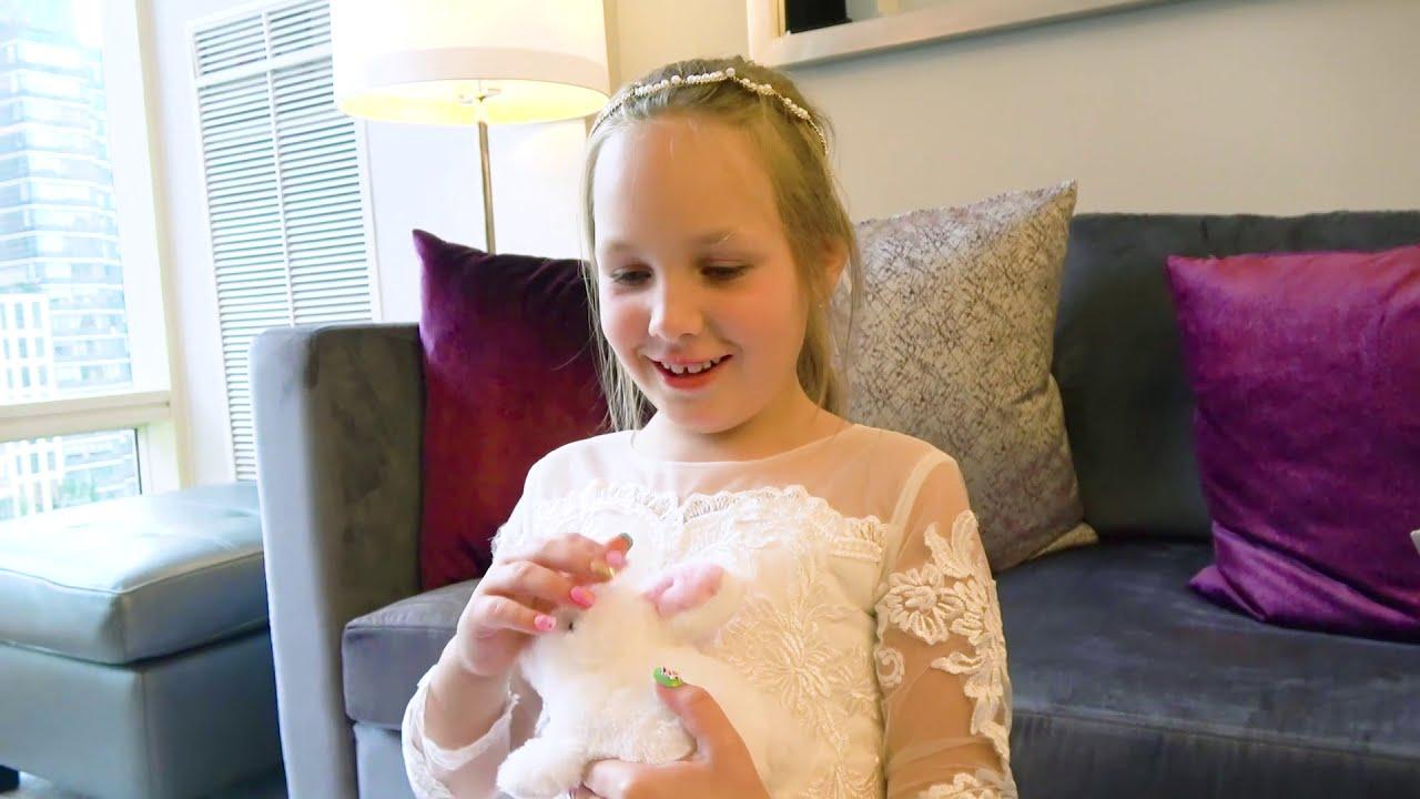 Катя и Вика не могут поделить платья