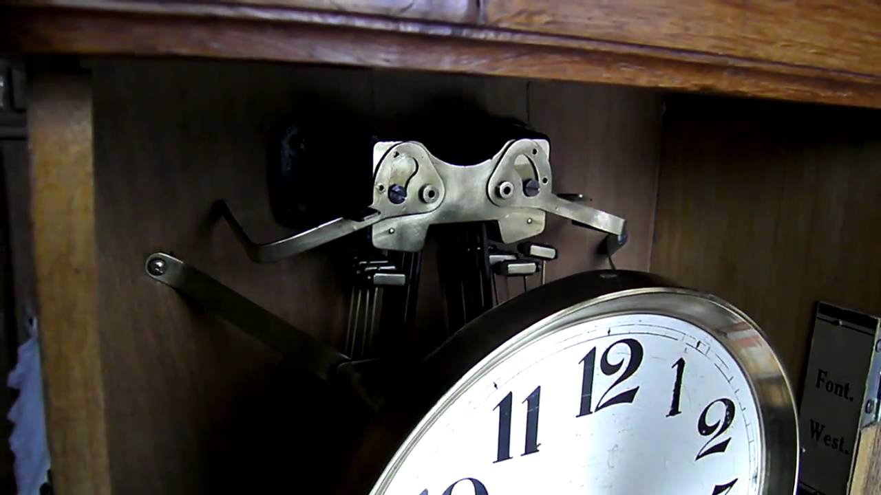 rare horloge carillon a 2 airs westminster et fontenoy youtube. Black Bedroom Furniture Sets. Home Design Ideas