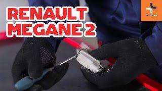 Hoe een kentekenplaat lampen vervangen op een RENAULT MEGANE 2 HANDLEIDING | AUTODOC