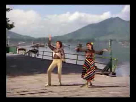 Kamariya lachke re full video song mela aamir khan twinkle khanna fai - 3 6