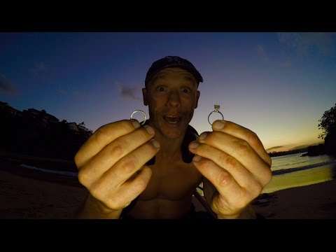 Metal Detecting  BIGGEST Gold, Diamond Rings 💍 ocean treasure hunter