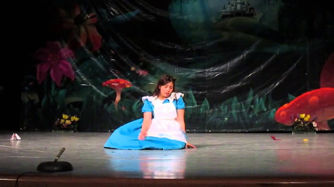 Alicia en el país de las Maravillas - Grupo Teatral Yaramuri - YouTube