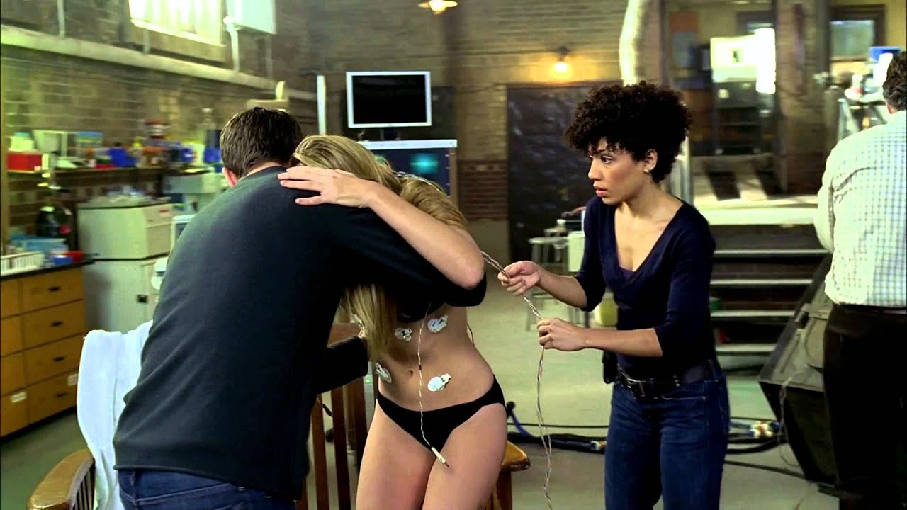 Download Fringe HD 1x01 Pilot - Peter helps Olivia into the Tank