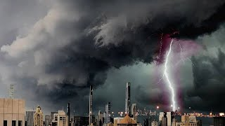 عاصفة رهيبة وغيوم سوبرسل رهيبة تضرب اوديسا ، اوكرانيا