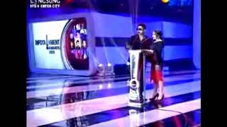 Aliando nyanyi janji suci di infotainment awards