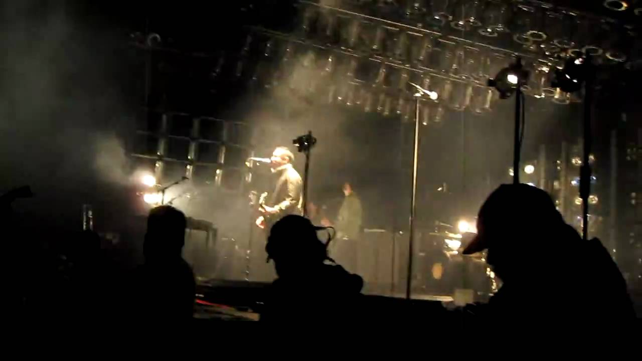Nine Inch Nails - Wish - Live in Mansfield MA - 06-03-09 - YouTube
