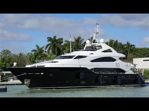 Roberto Geissini Yacht Indigo Star By Zipzappower