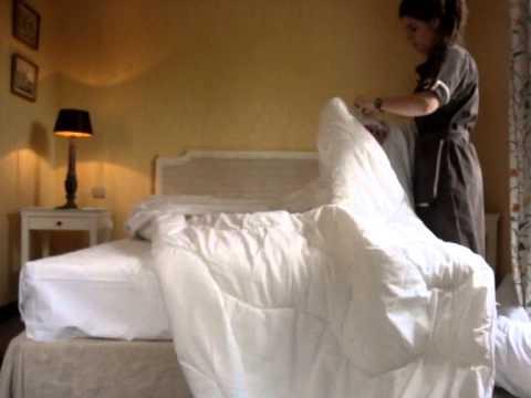 Como hacer una cama de hotel youtube - Como construir una cama ...