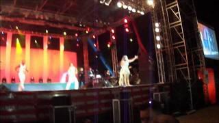 Daniela Mercury canta O MAIS BELOS DOS BELOS E POR AMOR AO ILÊ  em Ilha Bela.
