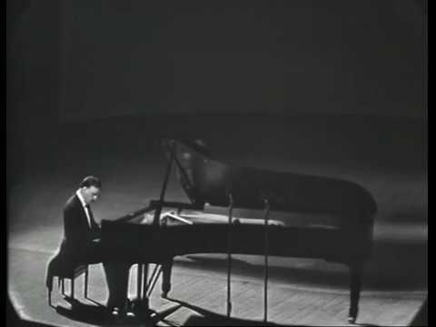 Arturo Benedetti Michelangely plays Beethoven - Sonata No.32 Op.111 (1964)