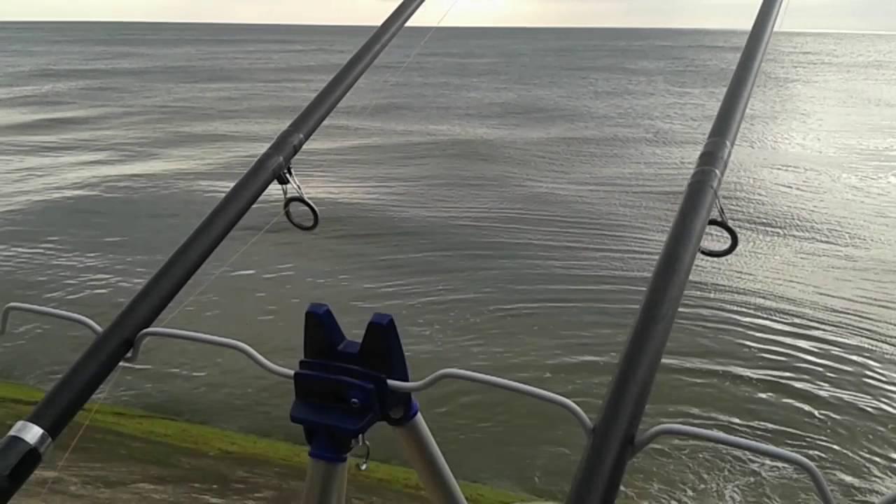 Sea fishing high tide blackpool uk youtube for Fishing high tide