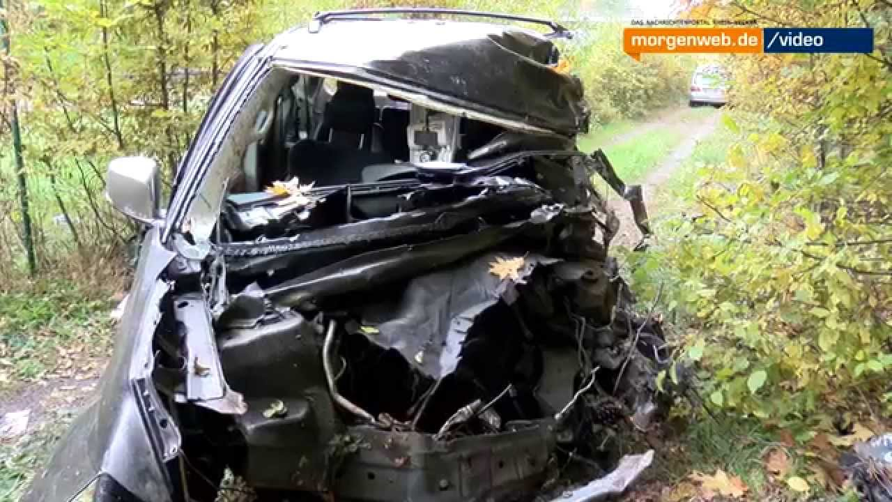Stutensee: Tödlicher Verkehrsunfall auf L560 - YouTube