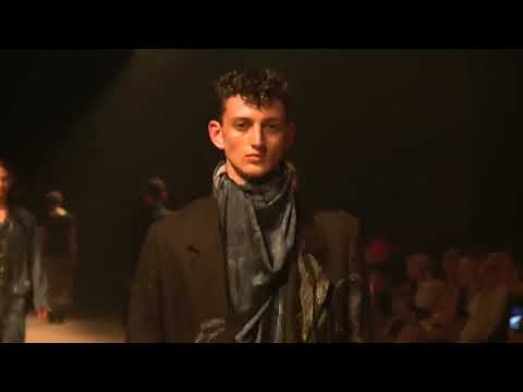 Sergey in BED J W FORD Spring Summer 2019 Runway Show Pitti Immagine Uomo