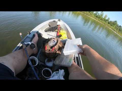 2 LURES 1 BASS : CANADA BASS FISHING