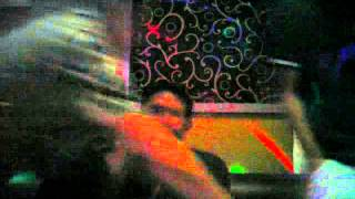 Mesum di tempat karaoke