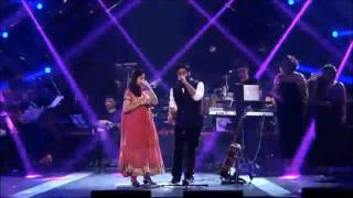 arijit-singh-with-his-real-sister-singing-live