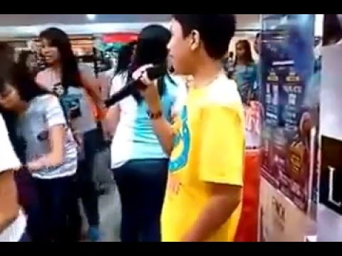Boy Singing Mariah Carey In Philippines Mall