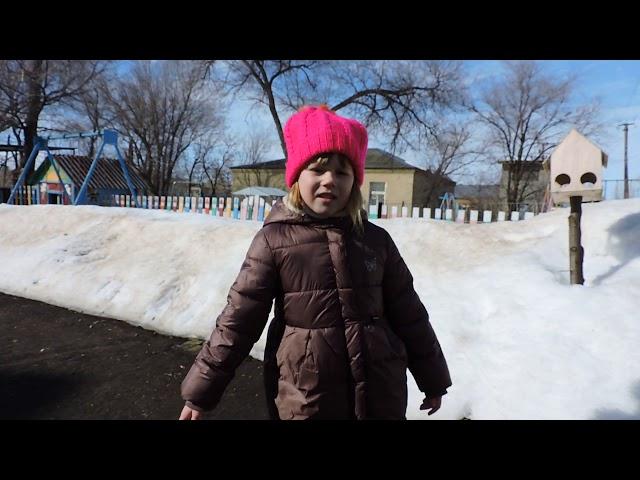 Изображение предпросмотра прочтения – БогданаСахарова читает произведение «Еще в полях белеет снег...» Ф.И.Тютчева