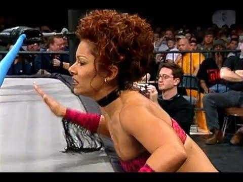 (720pHD): WCW Nitro 12/18/00 - Rey Mysterio Jr (w/Tygress) vs. Lance Storm (w/Major Gunns)