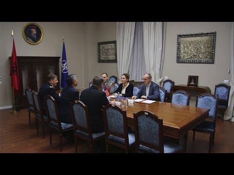 Ministrja Xhaçka pret ambasadorin amerikan Donald Lu