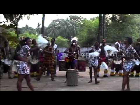 Ballet Gbassikolo de Guinée 2003