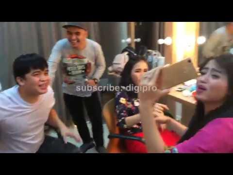 Ayu Ting Ting, Billy Syahputra, Dewi Perssik main games Zaskia Gotix ketawa sampai guling-guling