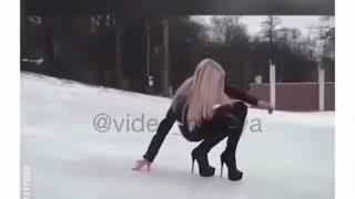 Topuklu giyen kızlar